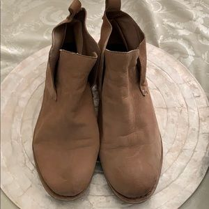 Dolce Vita Ankle Bootie